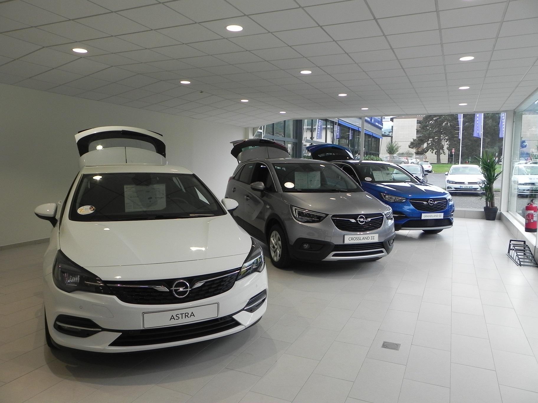 Venez découvrir nos modèles électriques et hybrides dans la nouvelle concession bi-marque Citroën/Opel de Sallanches !