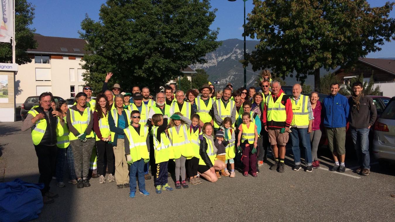 Des bénévoles motivés ont retiré plusieurs tonnes de déchets dans la belle nature du Pays du Vuache, samedi 21 septembre.