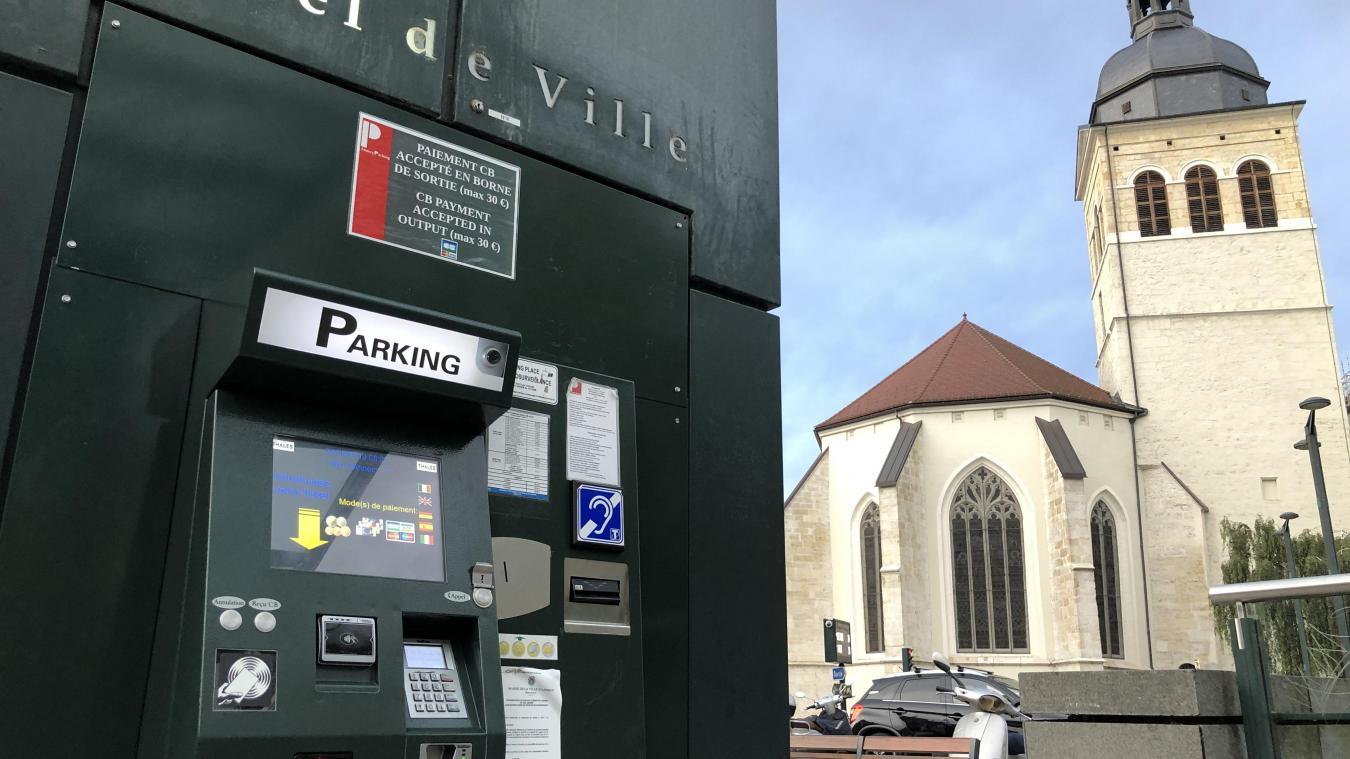 Entre novembre 2016 et août 2017, les caisses automatiques de plusieurs parking de la ville ont rendu des pièces de 2 euros à la place des pièces de 0,10 euro.