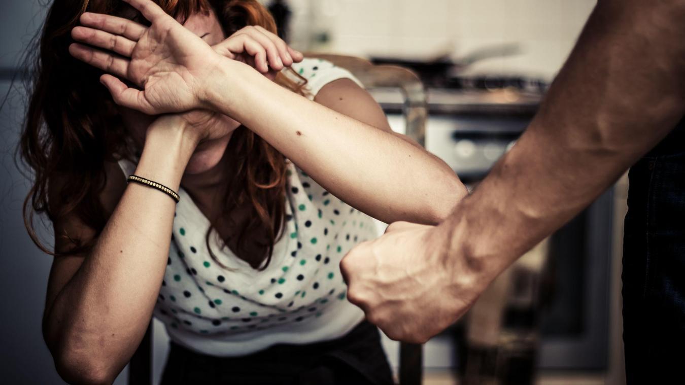 Le 10 septembre dernier, un enfant de 8 ans voit le conjoint de sa mère frapper celle-ci. Pour la défendre, il saisit un couteau et poignarde l'homme à deux reprise. - Photo d'illustration © 123RF