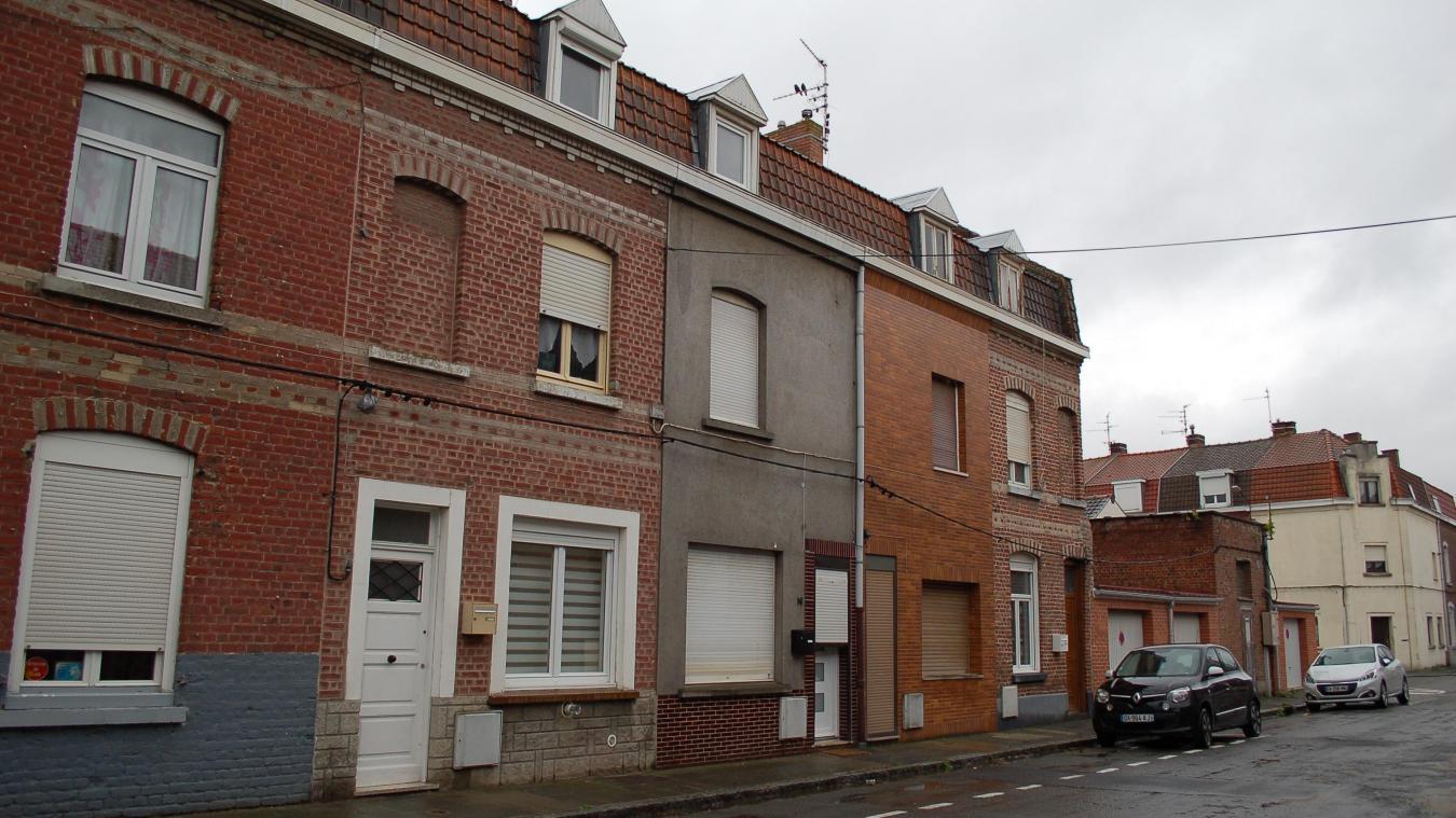 Selon des riverains, l'occupant de la maison d'où est sortie la panthère habitait le quartier depui peu et était très discret.