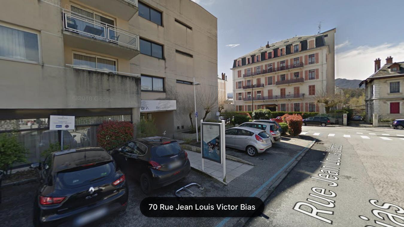 C'est à l'hôtel Les Loges du Park, rue Jean Louis Victor Bias à Aix-les-Bains, que l'individu s'est introduit. (Photo : capture d'écran Google Maps)