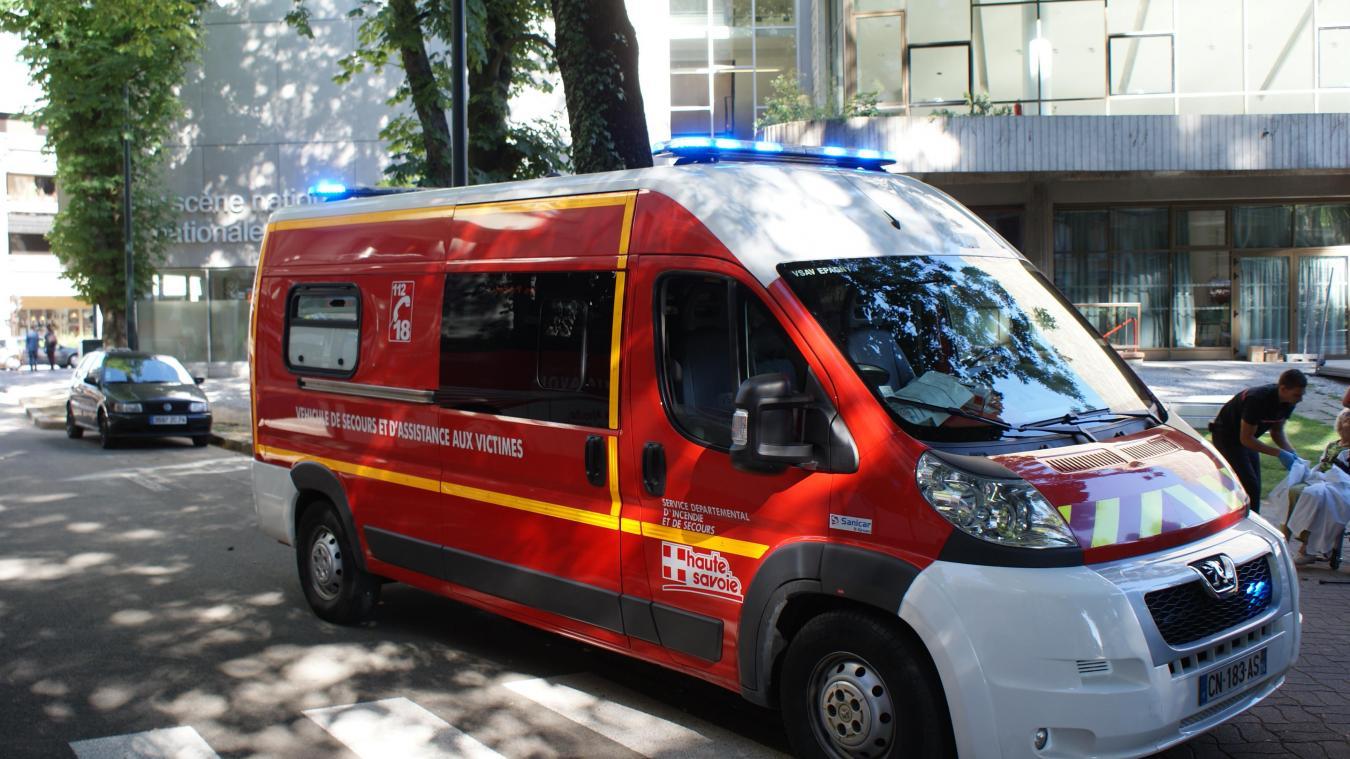 Les deux personnes ont été transportées à l'hôpital. (Photo d'illustration)