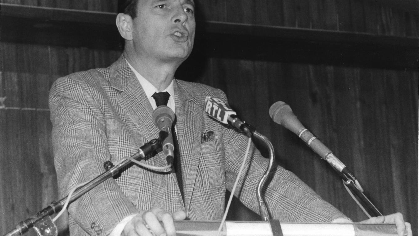 Jacques Chirac, à la salle des Burgondes, à Saint-Julien-en-Genevois ; le 25 février 1984. © Rémy Genoud