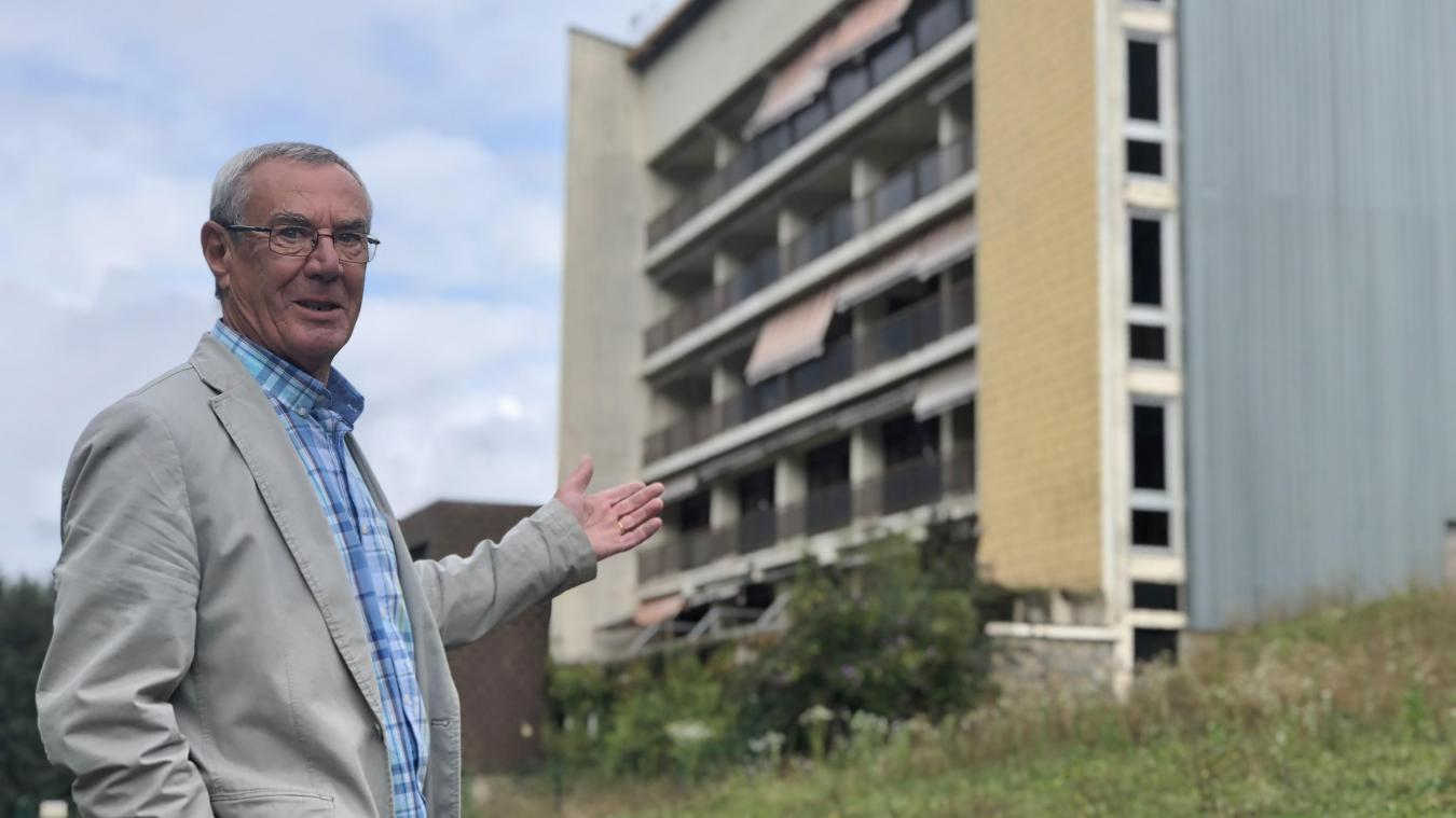 Le maire de Saint-Jean-d'Aulps, Patrick Cottet-Dumoulin, s'est dit très soulagé de savoir que l'ancienne MGEN allait enfin être rasée.