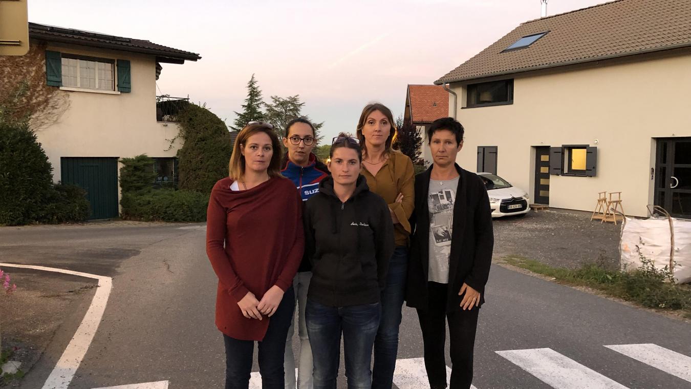 Ce groupe de mamans alerte depuis des années sur la dangerosité de la route de Chavannex.