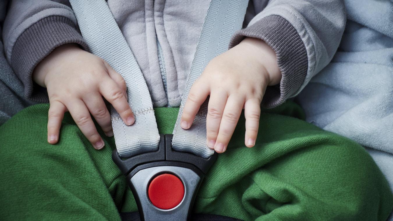 En mai 2019, un couple avait laissé son bébé de 9 mois seul dans la voiture à Lausanne, pendant deux heures et demie par « confort personnel ». Une forte amende leur a été infligée par le tribunal. - Photo d'illustration