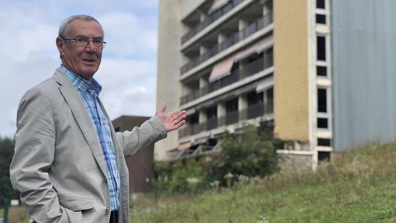 Tout sourire, Patrick Cottet-Dumoulin a annoncé que l'ancienne MGEN de Saint-Jean-d'Aulps devrait enfin être rasée.