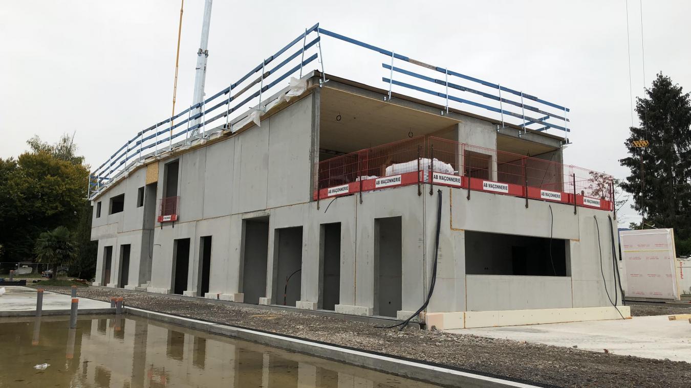La partie gros œuvre du bâtiment central de la future base nautique de Sciez vient d'être achevée.