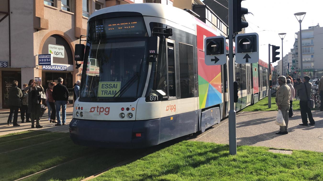 Les futurs usagers se demandent pourquoi la ligne de tramway ne passe pas par la gare d'Annemasse.