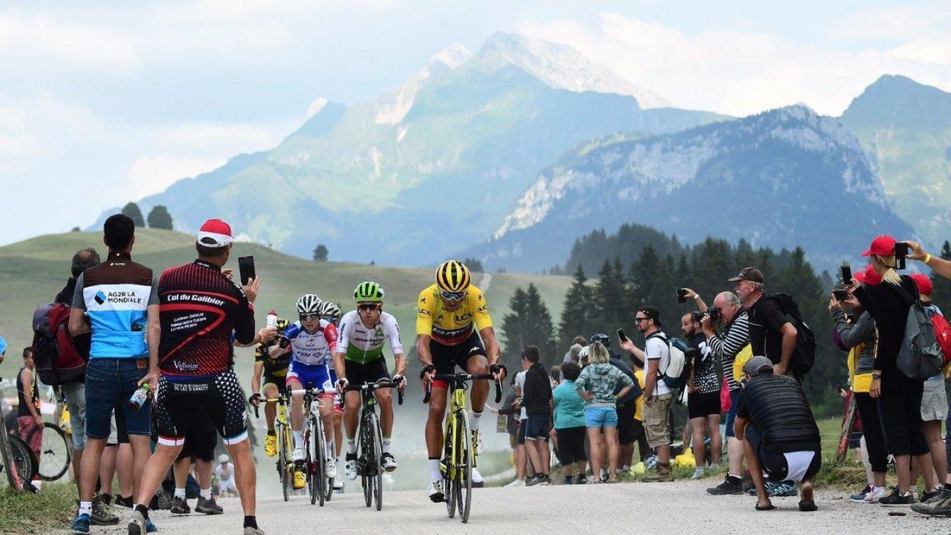 Après 2017, le scoureurs du Tour de France 2020 emprunteront la route du plateau des Glières. Mais cette fois, ils arriveront à La Roche-sur-Foron.