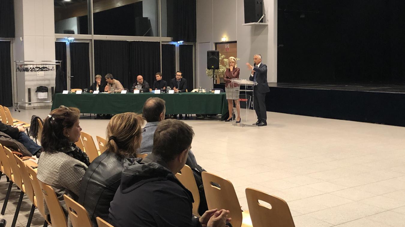 Le maire d'Annecy, Jean-Luc Rigaut, et la maire déléguée de Meythet, Christiane Laydevant, se sont prêtés au jeu des questions réponses avec les habitants.