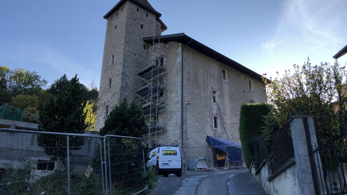 Les travaux de rénovation du château des Rubins à Sallanches, visent à redonner au château son aspect originel.