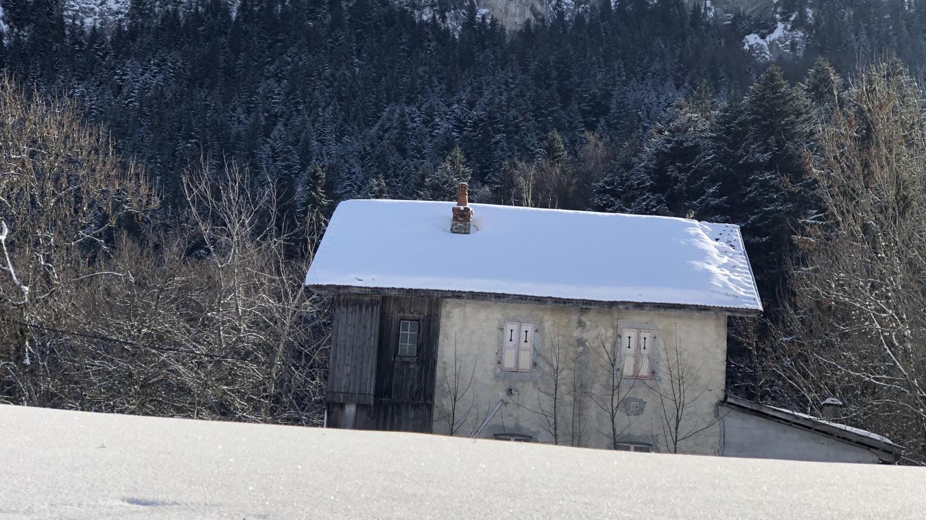Située 2463 route du Plateau d'Andey, l'ancienne école a trouvé acquéreur pour 127 500,99 euros.