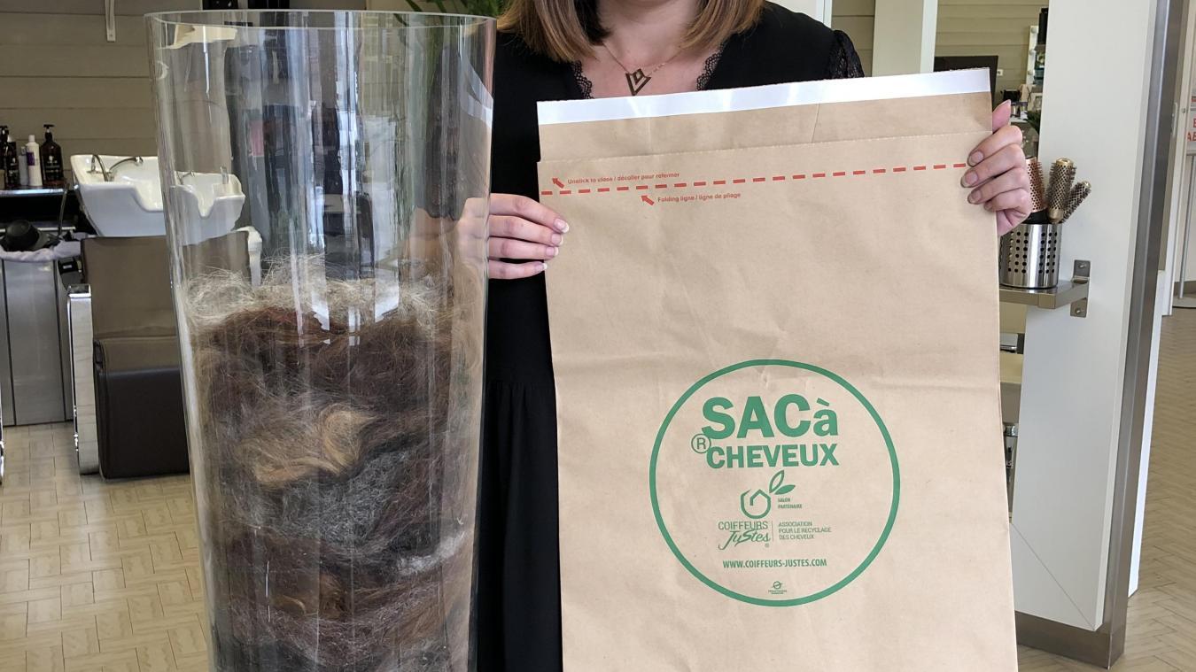 Depuis le 30 août, Charlotte collecte les cheveux de ses clients afin de les faire recycler.