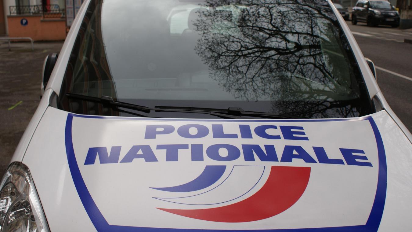 Deux SDF sont en garde à vue au commissariat d'Annecy, mardi 12 novembre 2019. Les deux hommes ont été interpellés en pleine nuit avec divers objets volés et des armes.
