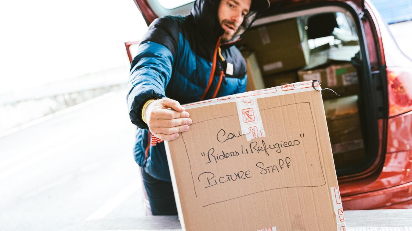 Ambassadeur pour Riders for Refugees, Jérôme Tanon donne de son temps pour la collecte de vêtements chauds.