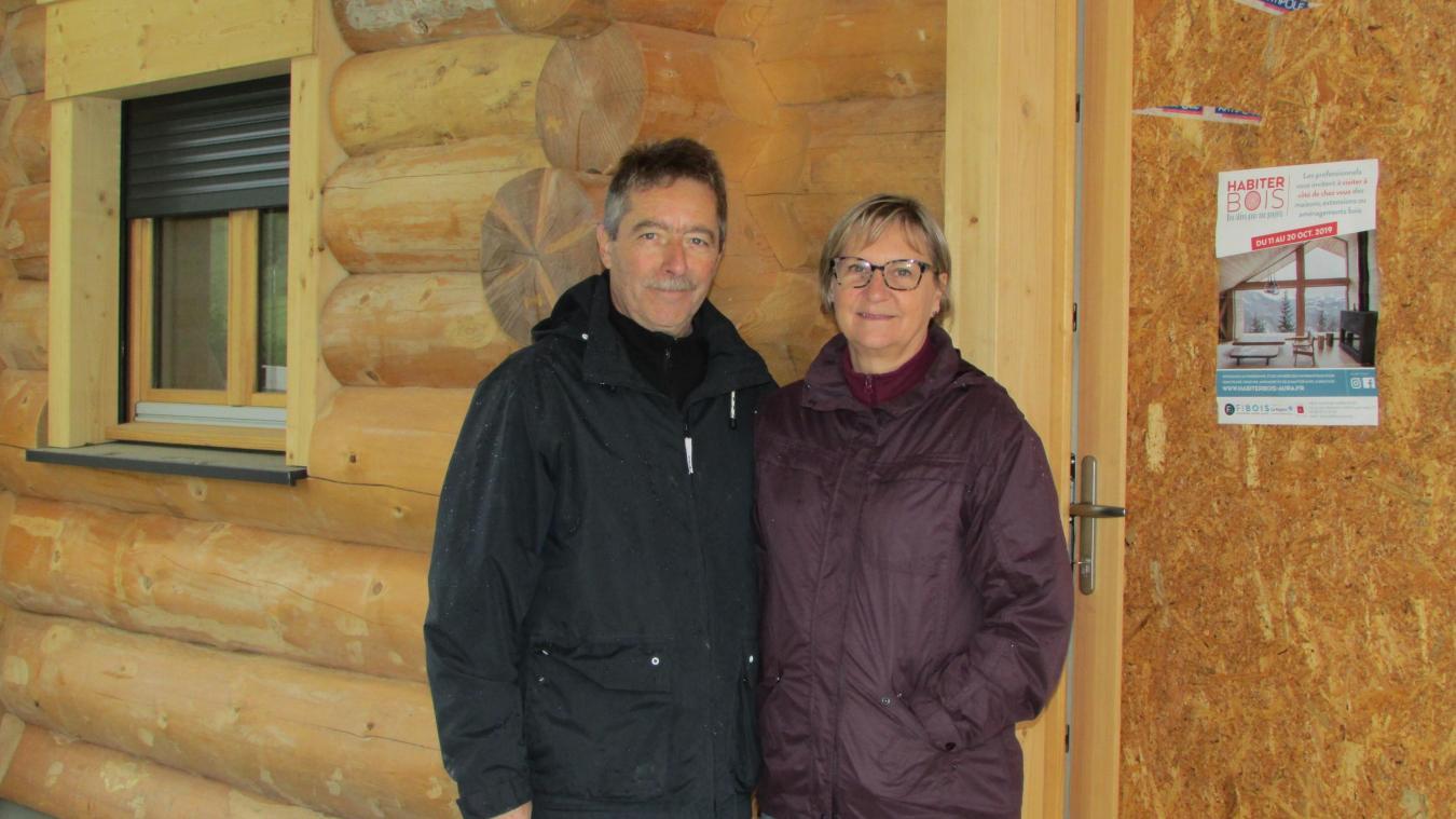 Mr et Mme Ducret espèrent passer Noël en famille dans leur chalet.