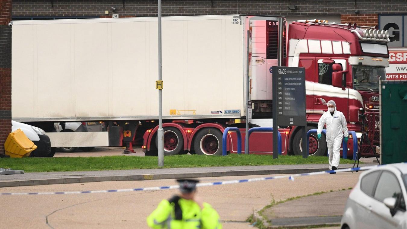39 personnes, 31 hommes et 8 femmes, ont été retrouvées mortes à l'arrière d'un camion mercredi 23 octobre au Royaume-Uni. Elles étaient toutes de nationalité chinoise.