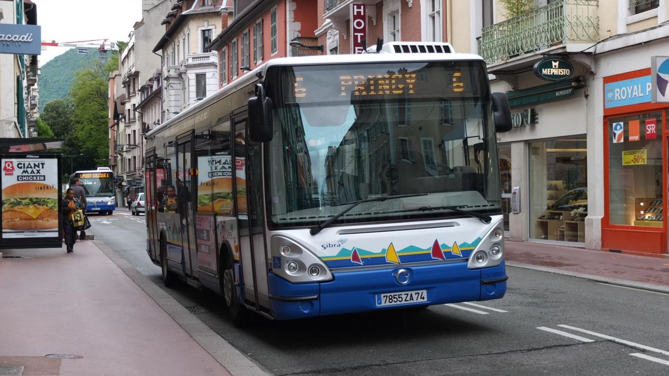 Les 30 et 31 octobre, le bus de la Sibra fera quatre allers-retours entre le centre-ville d'Annecy et le cimetière des Iles.