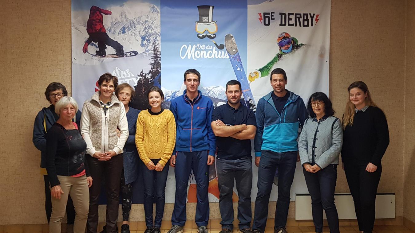 Etaient présents lors de la soirée anniversaire de la Team Arêches-Beaufort : les 4 athlètes, élus, chargée des partenariats et des membres de l'office de tourisme.