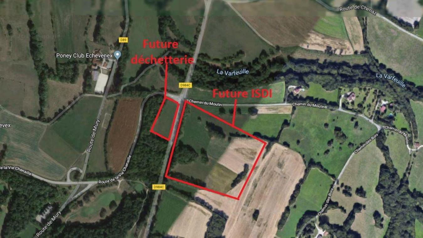 Les deux futurs emplacements se trouvent de part et d'autres de la route départementale 984c.
