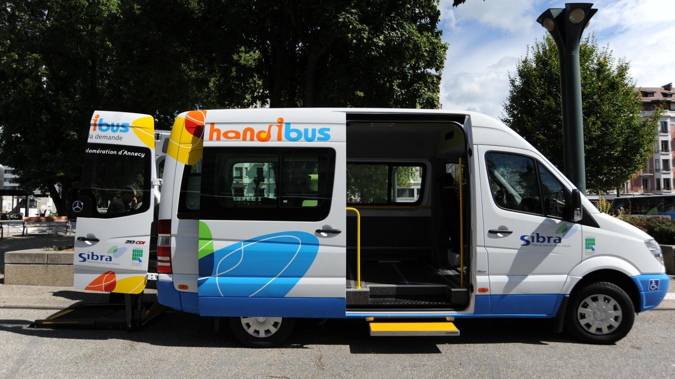 Toutes les personnes présentant un handicap visuel ou moteur peuvent désormais faire appel au service Handibus. (Photo : Sibra)