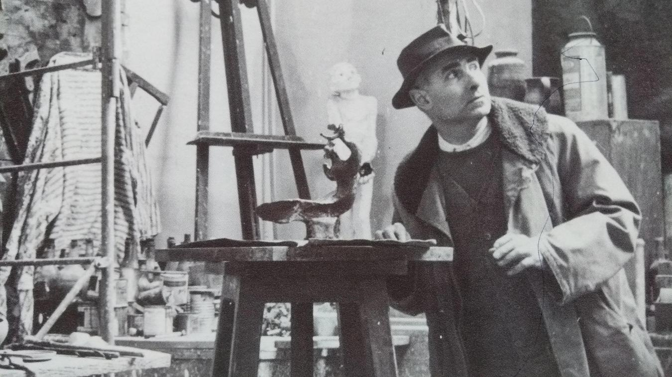 Louis Leygues dans son atelier.