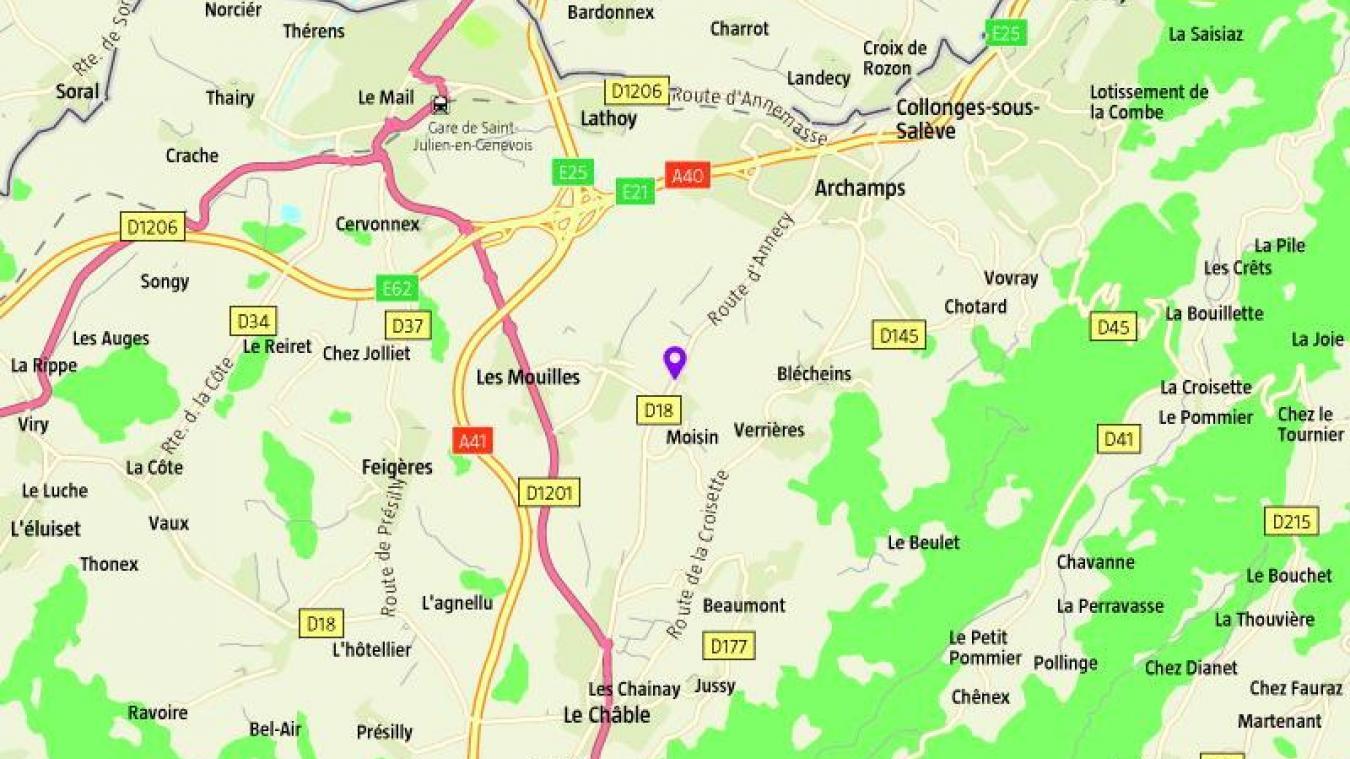 Jeudi 7 novembre, à 7h38, une collision a eu lieu entre une moto et une voiture sur la RD18 à hauteur du lieu-dit La Forge à Neydens. Le motard, un homme de 20 ans, a été transporté en urgence absolue au centre hospitalier d'Annecy.
