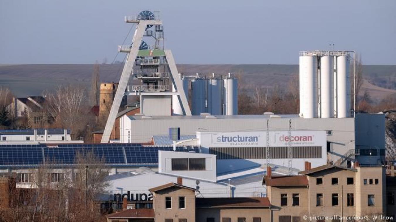 35 mineurs ont été piégés vendredi 8 novembre à 700 mètres de profondeur après une explosion survenue dans une mine de Teutschenthal