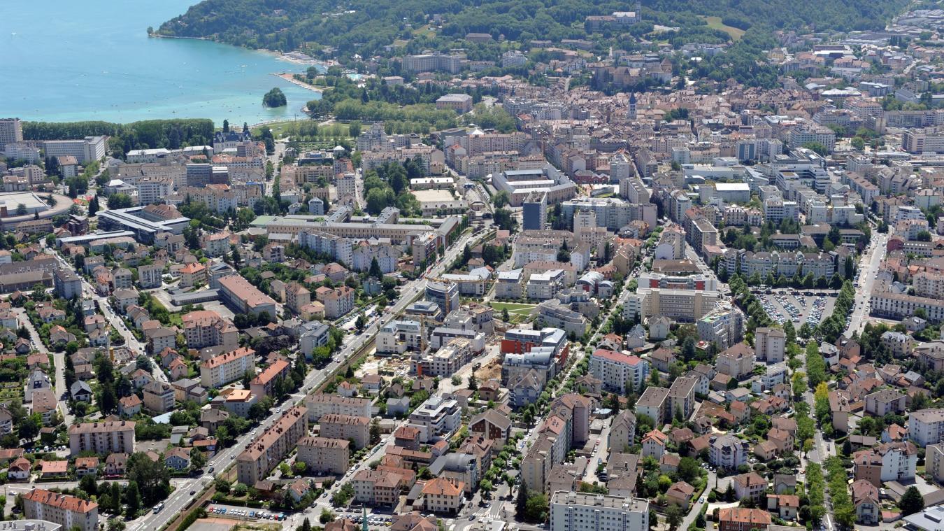 Le PDU a pour ambition de définir les politiques de mobilité sur l'agglomération d'Annecy pour les 10 prochaines années.