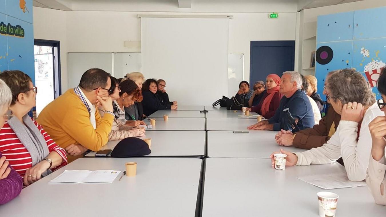 Une réunion très suivie par les habitants des différents quartiers d'Annemasse, samedi 9 novembre.