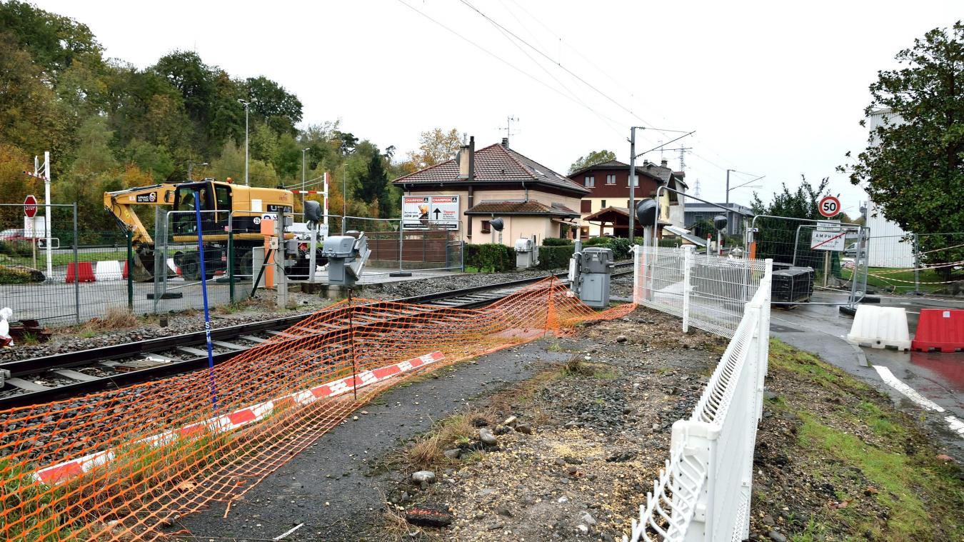 A Publier, le passage à niveau situé en face des Papeteries du Léman restera fermé jusqu'au jeudi 14 novembre.