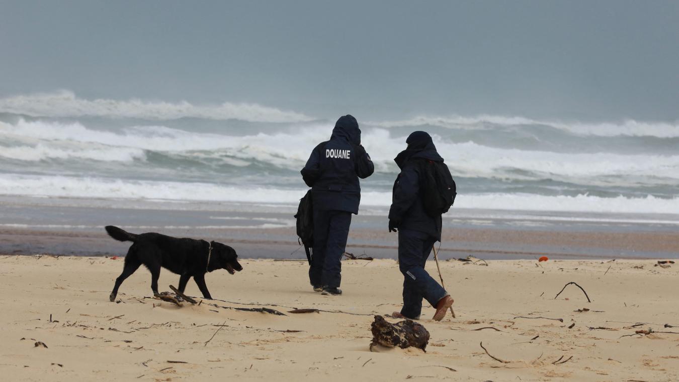 Depuis le 18 octobre, on peut faire une drôle de pêche sur la côte Atlantique : des centaines de kilos de cocaïnes ont été retrouvées. On ignore encore l'origine de la marchandise.