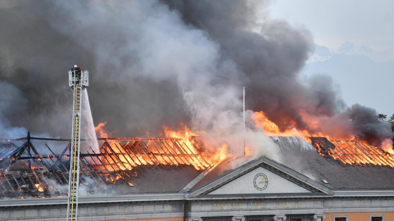 « Les gars qui attaquaient étaient entre un parquet qui brûlait et un plafond qui brûlait aussi », explique l'adjudant-chef Lavorel.
