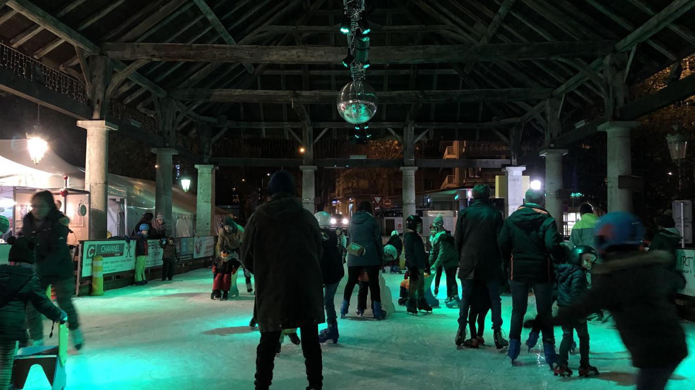 Cela fait 14 ans que la patinoire sous la grenette est le rendez-vous traditionnel des fêtes de fin d'année.