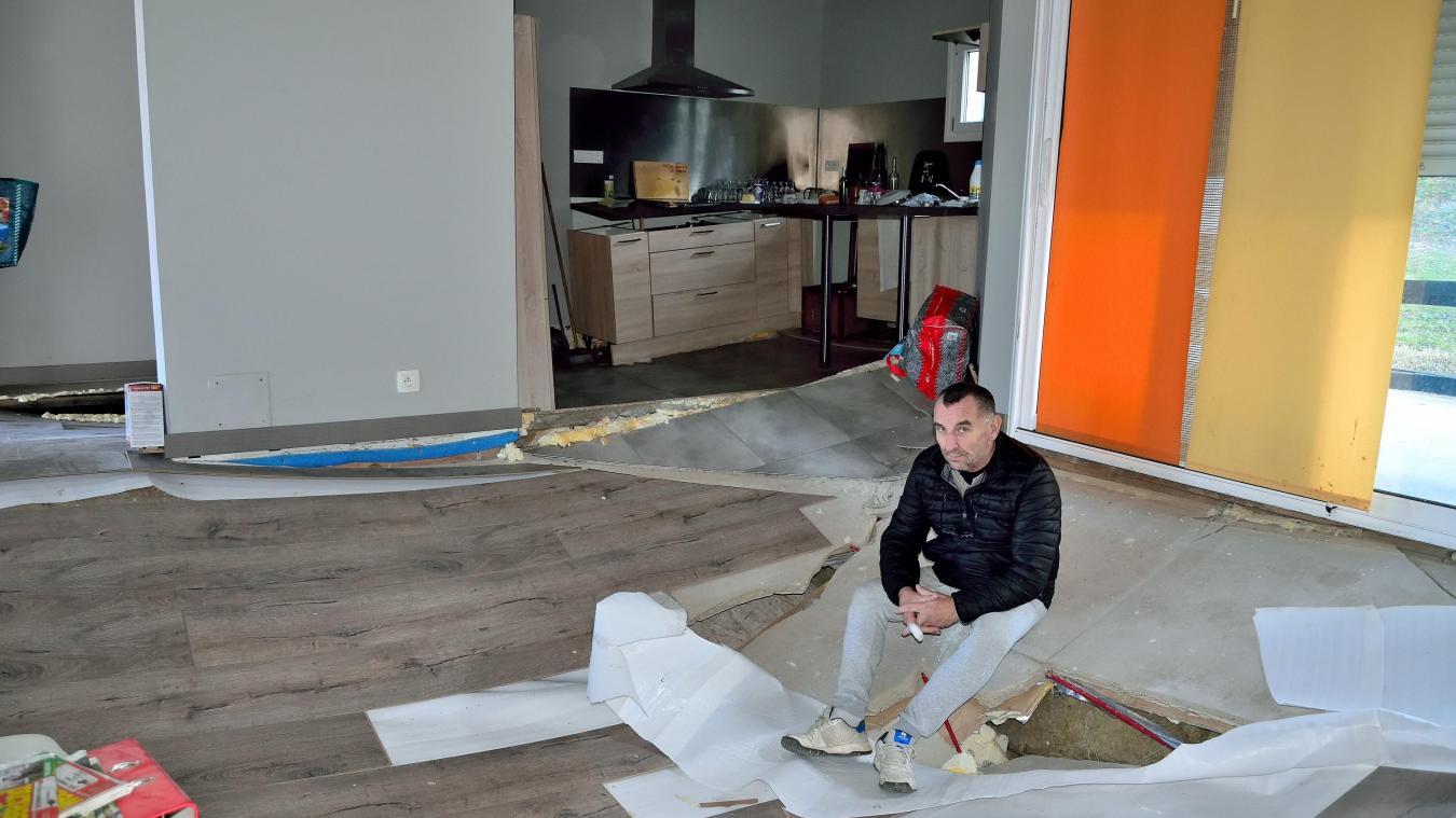 Séjour, cuisine... les planchers de la maison de Yannick Courtin se sont littéralement effondrés.