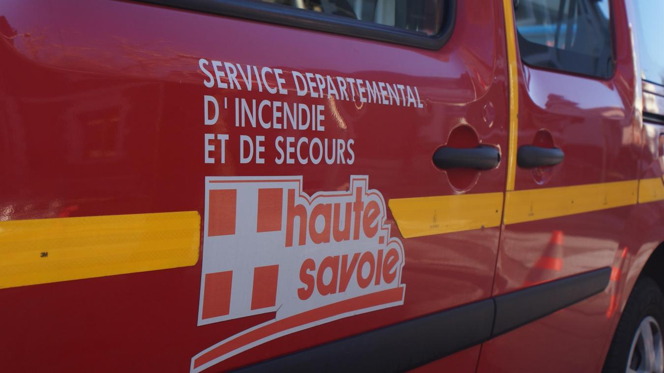 L'intervention des pompiers a été nécessaire pour extraire le conducteur du véhicule coincé sur une borne incendie à Saint-Félix, mercredi 23 septembre.