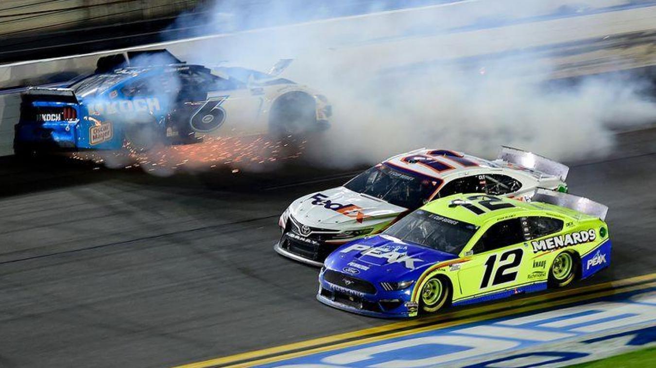 Terrible accident pendant la mythique course automobile des Daytona 500