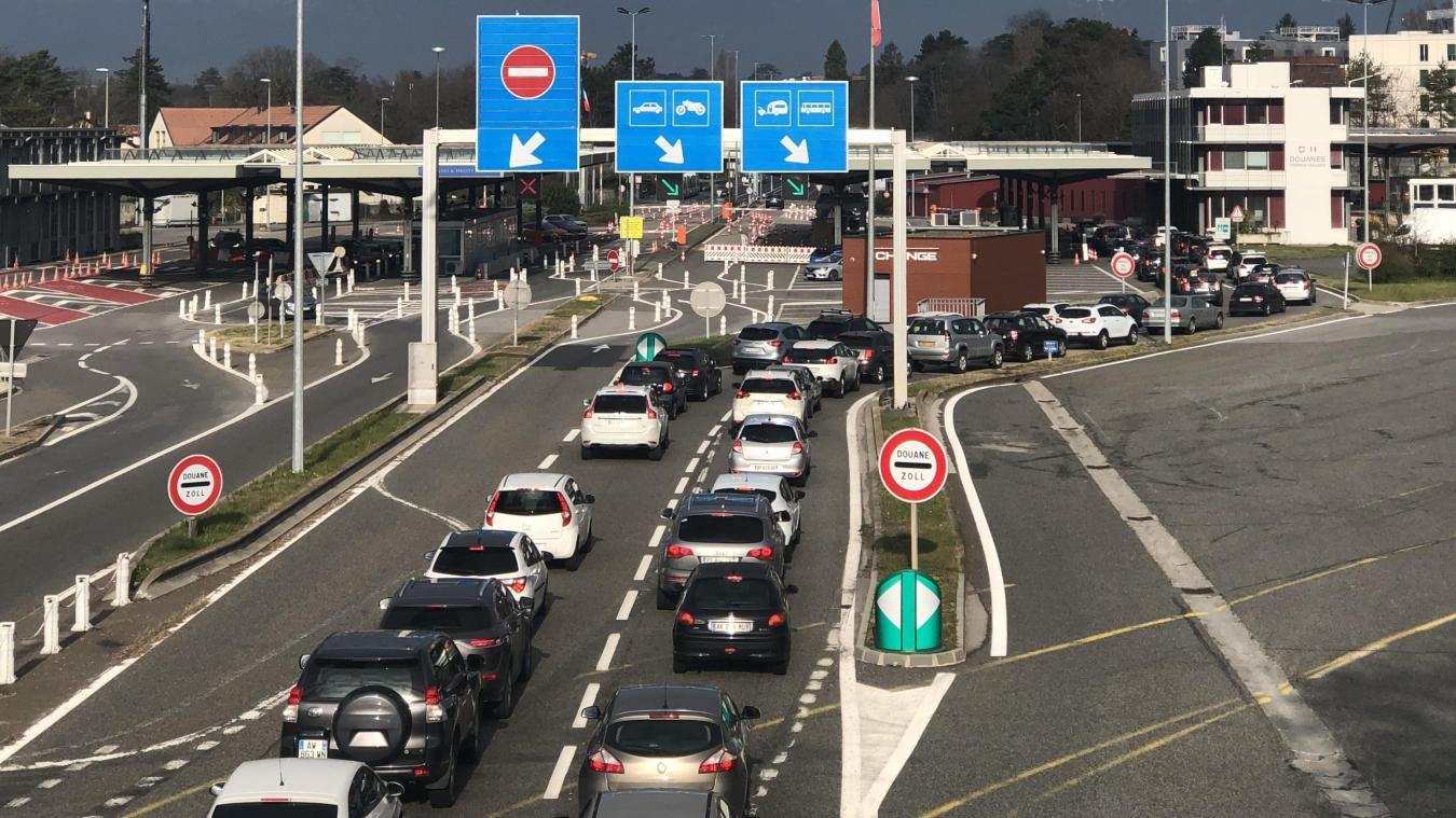Des restrictions à la frontière « nient le vécu quotidien et peuvent aboutir à une situation choquante et absurde », plaide Mauro Poggia, conseiller d'Etat genevois, qui espère, comme les élus français, que Berne prenne en compte la spécificité de notre territoire transfrontalier.