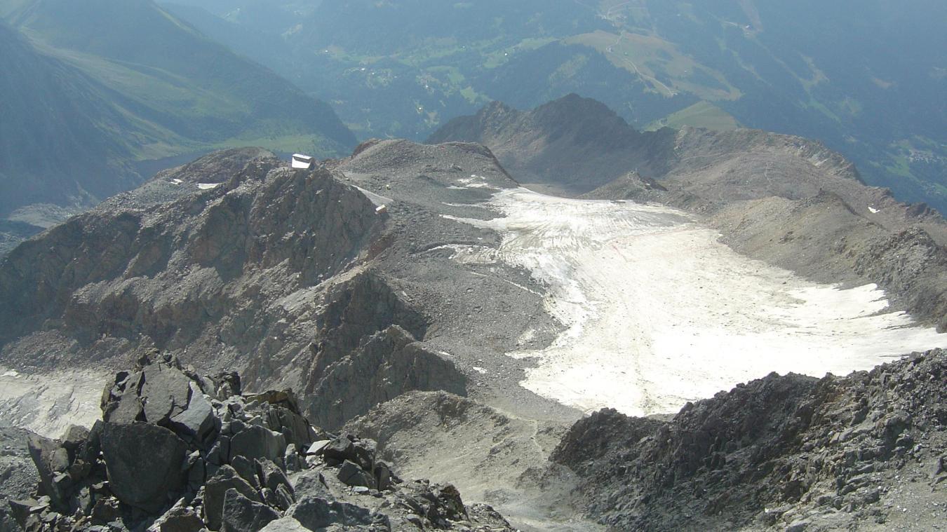 Mont-Blanc: un homme de 65 ans décède dans le couloir du Goûter