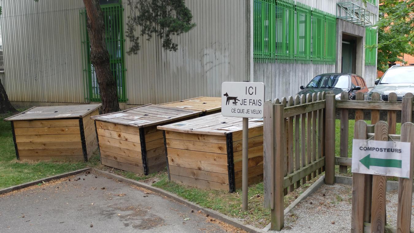 Les bacs de compost de quartier mis en place à différents endroits de la ville sont à disposition de tous.