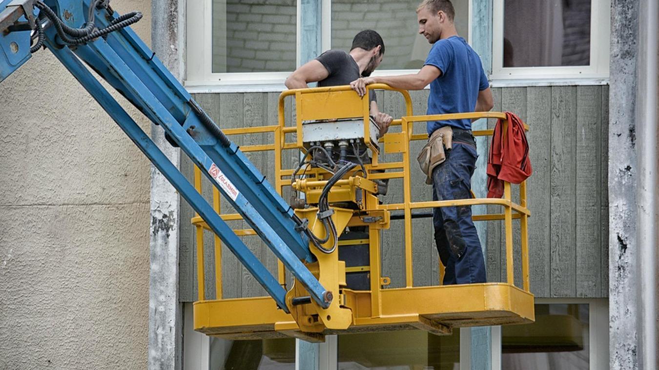 Certains permis n'ont pas été instruits pendant le confinement, ce qui peut retarder certains chantiers.