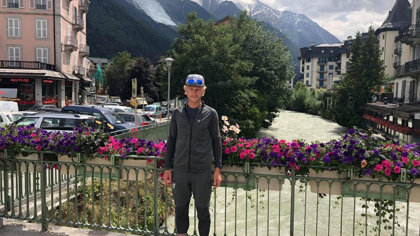Grégoire Curmer se sent comme un poisson dans l'eau dans les rues de Chamonix.