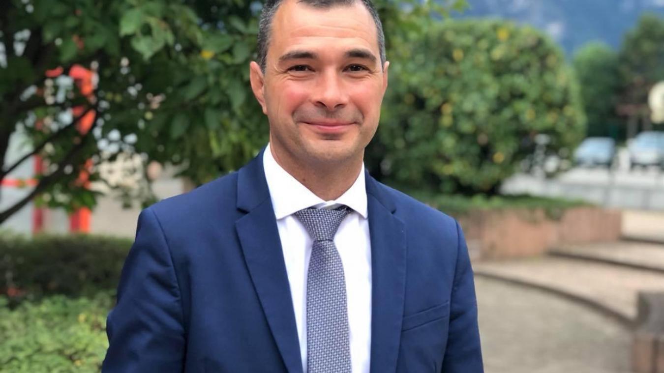 Le maire de Cluses, Jean-Philippe Mas, succède à Gilbert Catala à la tête de la communauté de communes