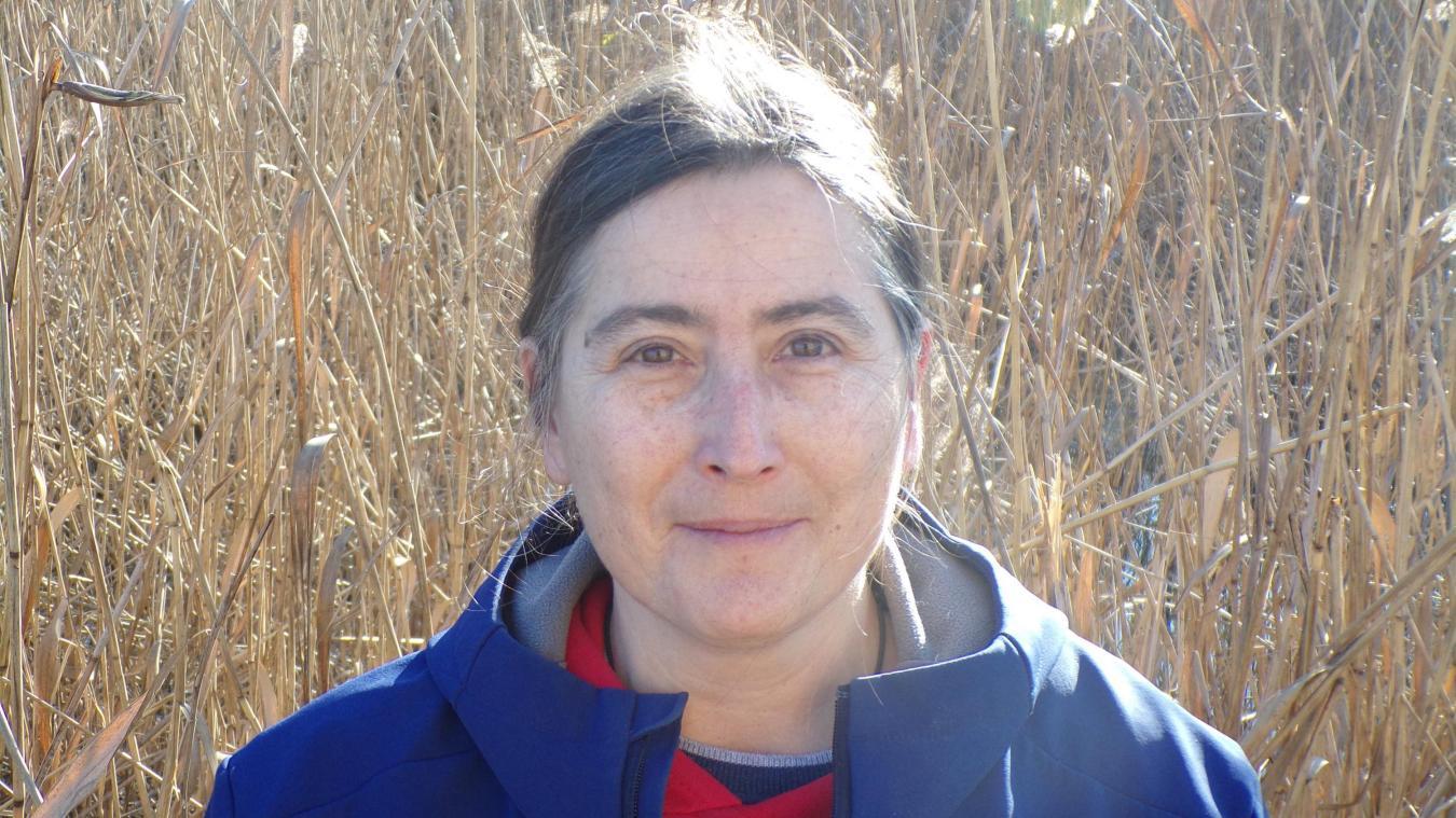 Missia Racine Freixenet, en charge du programme de stérilisation des chats errants à Chens.