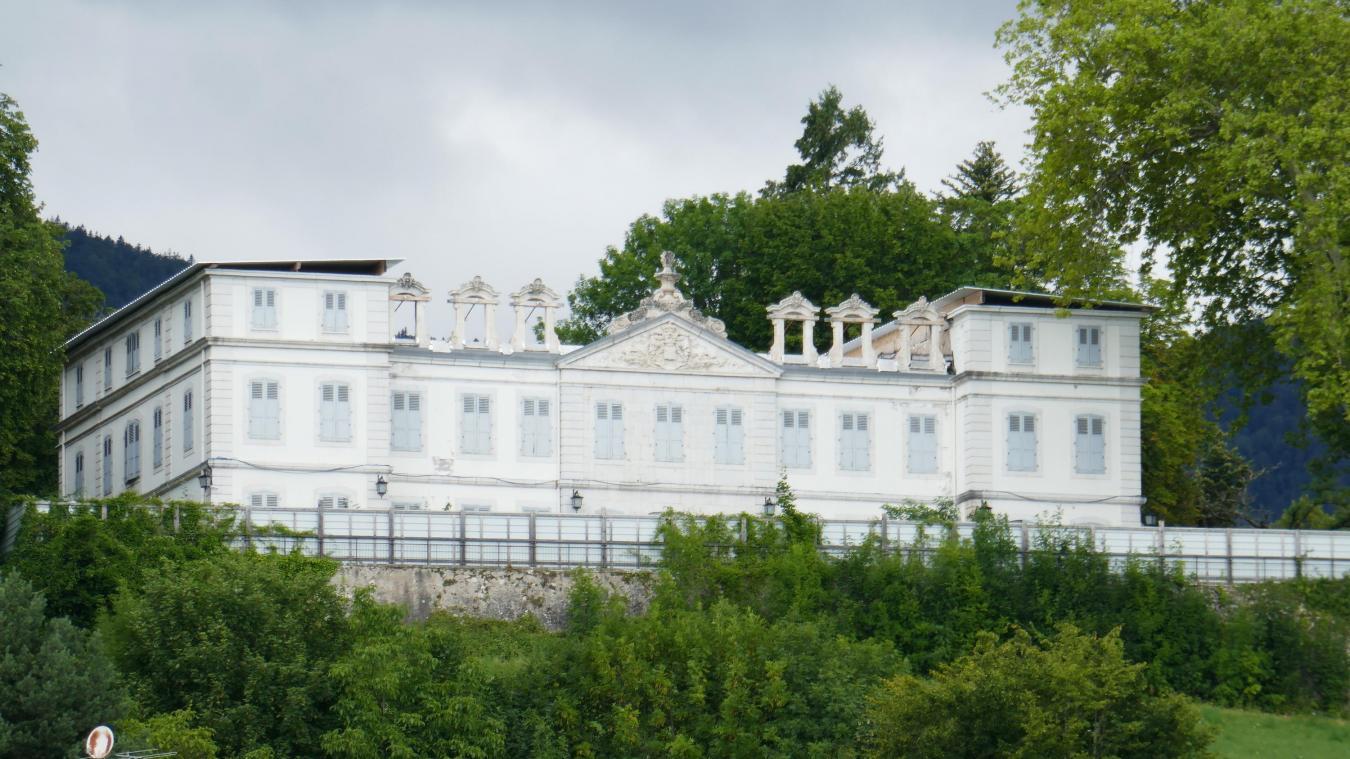 Le château dépourvu de toiture...