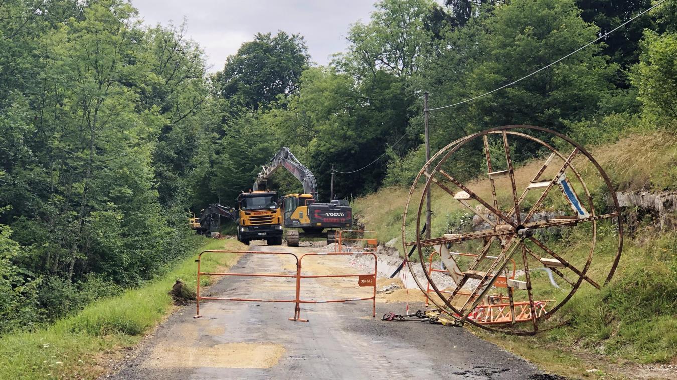 La route pour aller à Dinoplagne est barrée, l'accès est actuellement en chantier  !