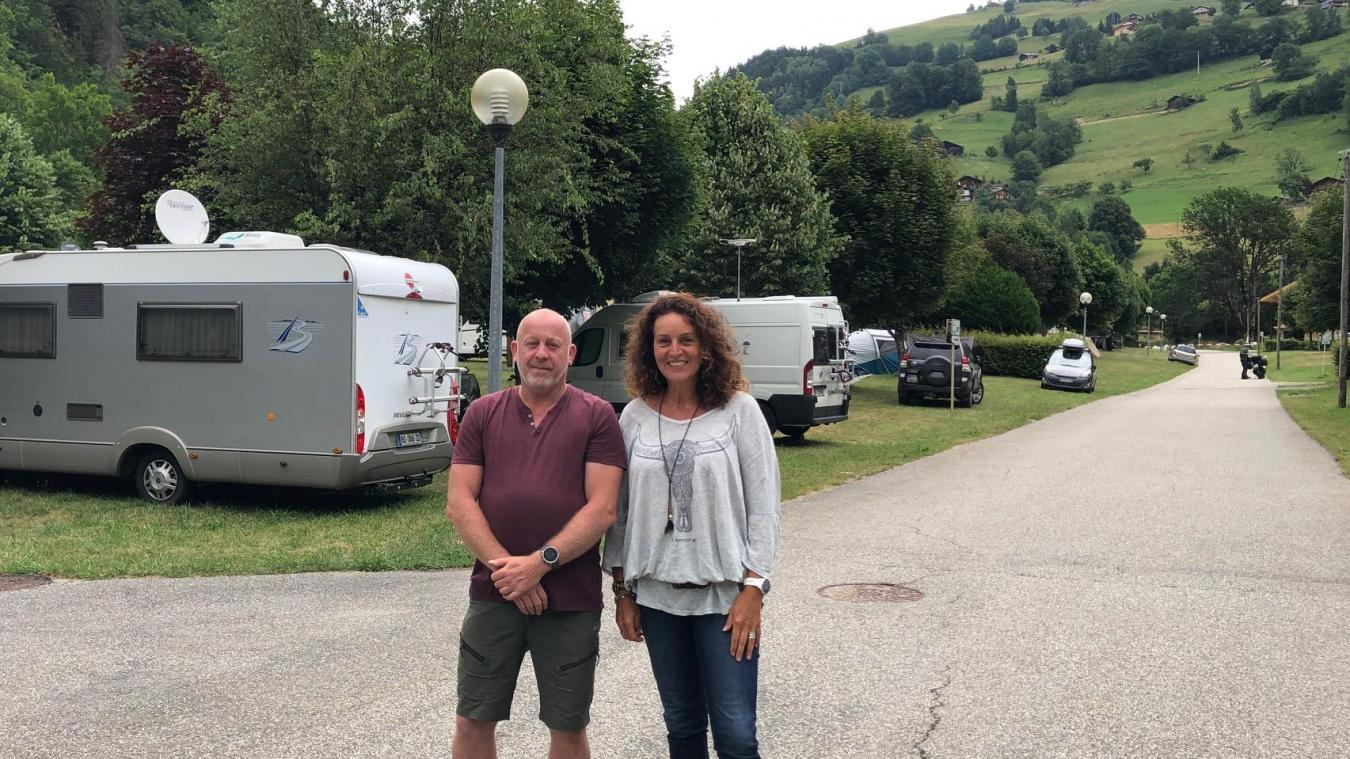 Pierre et Nathalie sont les responsables du camping de Domelin à Beaufort, majoritairement fréquenté par des touristes français cet été.