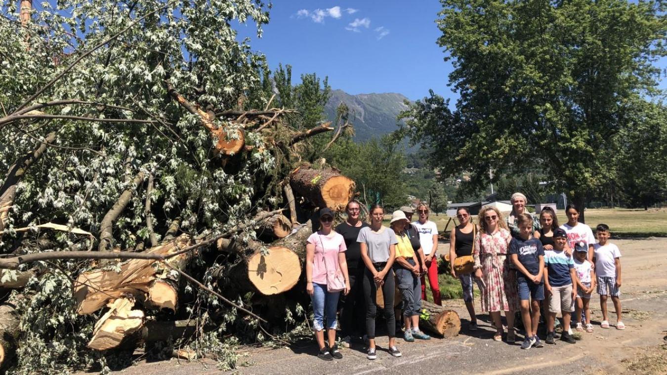 Certains usagers du Parc du Sauvay sont attristés par les conséquences de cet aménagement sur les arbres qui leur offraient un peu d'ombre.